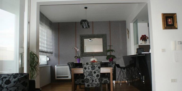 Verkauft wird eine Dreizimmerwohnung (4)