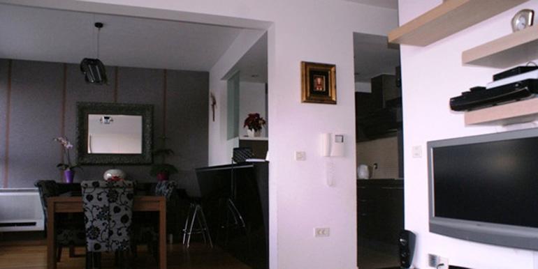 Verkauft wird eine Dreizimmerwohnung (6)