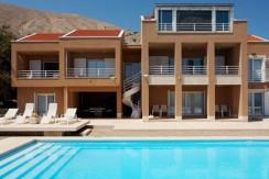 Eine einzigartige, moderne Villa mit Pool