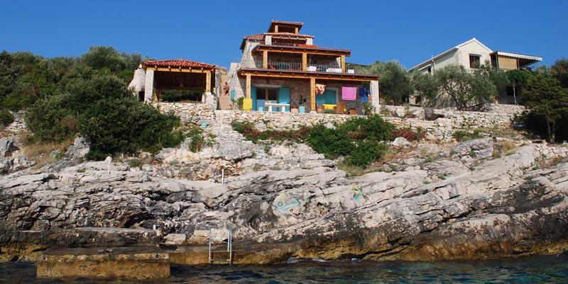 Diese Villa befindet sich am Meer