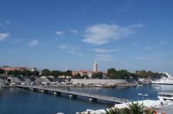 SonnigeWohnungmitblickaufdieAltstadtvon Zadar!