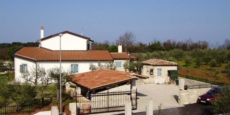 Istrisches Steinhaus in Novigrad (1)