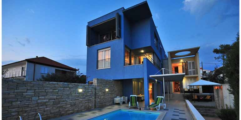 Schön eingerichtetes Haus in attraktiver Lage (12)