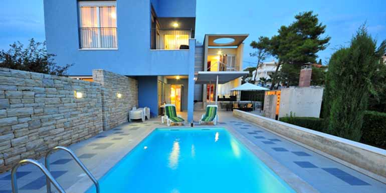 Schön eingerichtetes Haus in attraktiver Lage (13)