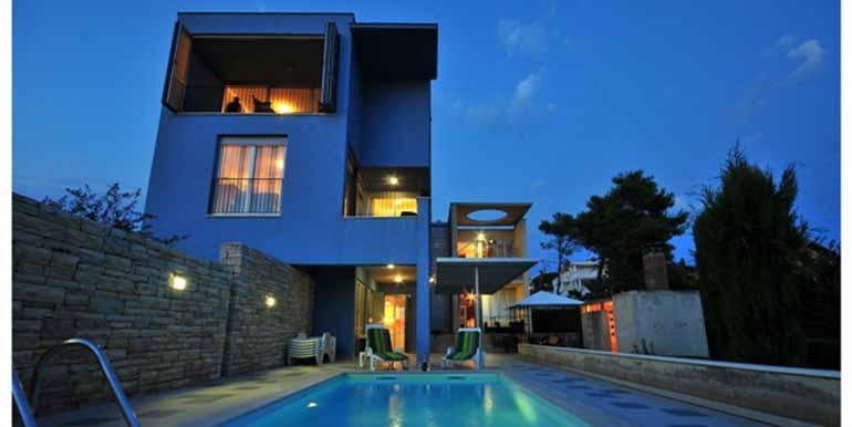 Schön eingerichtetes Haus in attraktiver Lage (14)