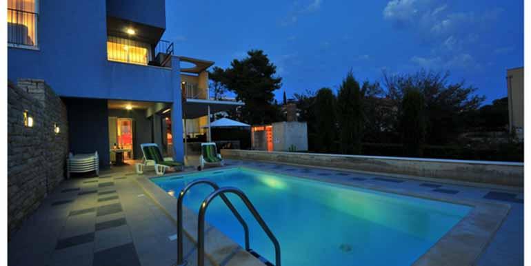 Schön eingerichtetes Haus in attraktiver Lage (15)