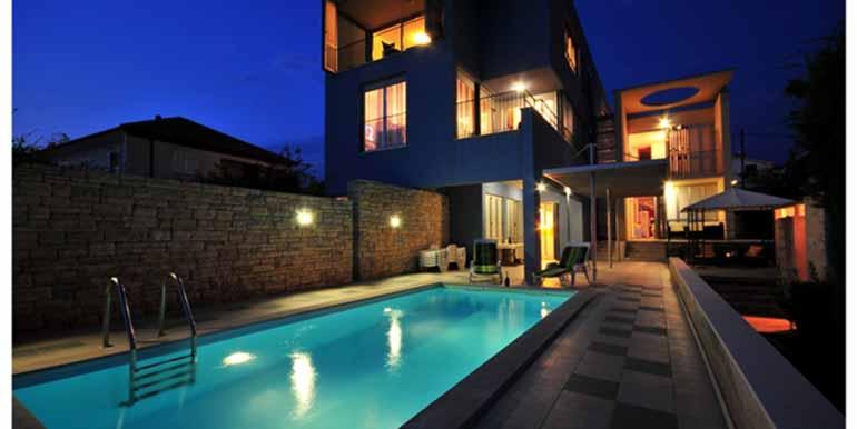 Schön eingerichtetes Haus in attraktiver Lage (26)