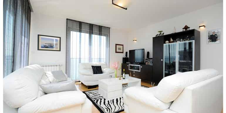 Schön eingerichtetes Haus in attraktiver Lage (28)
