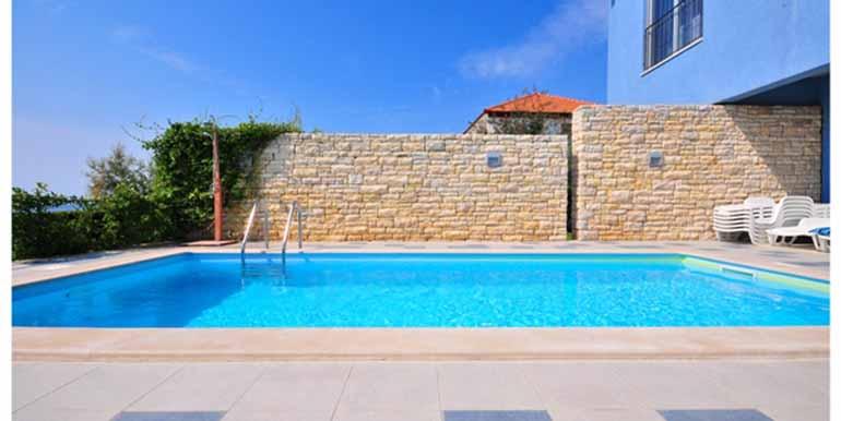 Schön eingerichtetes Haus in attraktiver Lage (3)