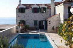 Schöne Steinvilla auf der Insel Brac