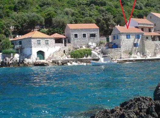 Steinhaus in der Nähe von einem kleinen Fischerdorf (5)