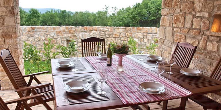 Villa an der Ostküste von Istrien (1)