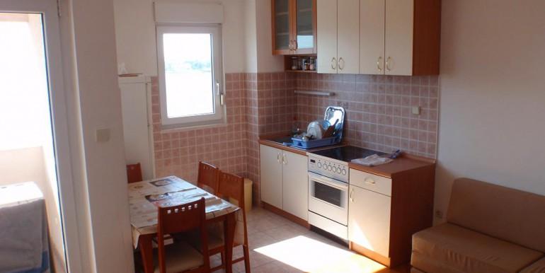 Apartment-in-die-Nähe-von-Split-Strozanac-(3)