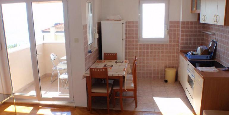 Apartment-in-die-Nähe-von-Split-Strozanac-(4)