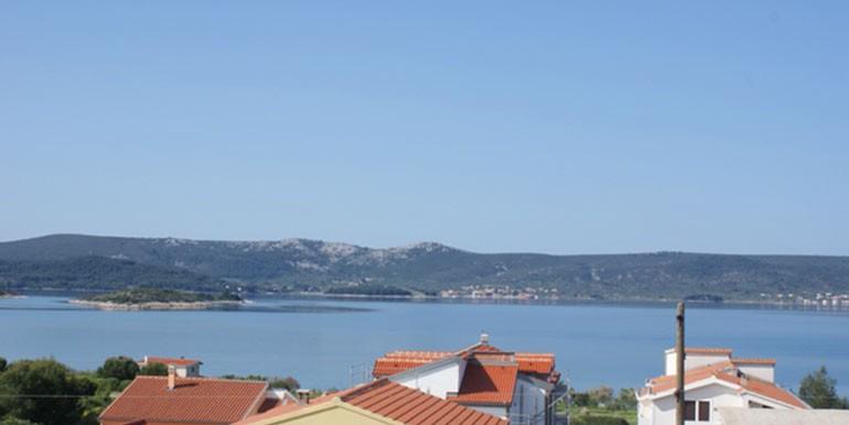 Attraktives-Haus-mit-wunderschönem-Blick-auf-das-Meer.-(1)