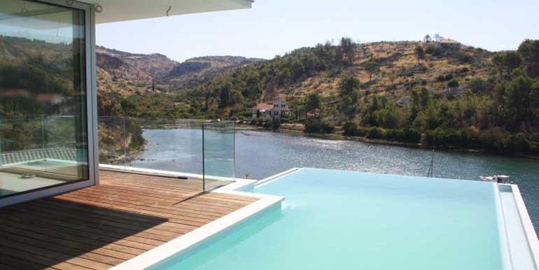 Luxus-Villa-auf-der-Insel-Brac-(2)