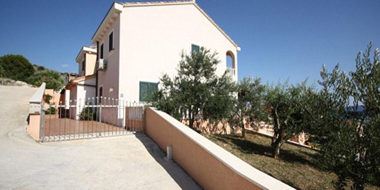 Schöne Villa in der Nähe von Trogir  (1)