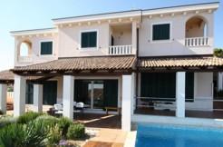 Schöne Villa in der Nähe von Trogir
