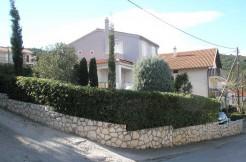 Schönes-Haus-auf-der-Halbinsel-Ciovo
