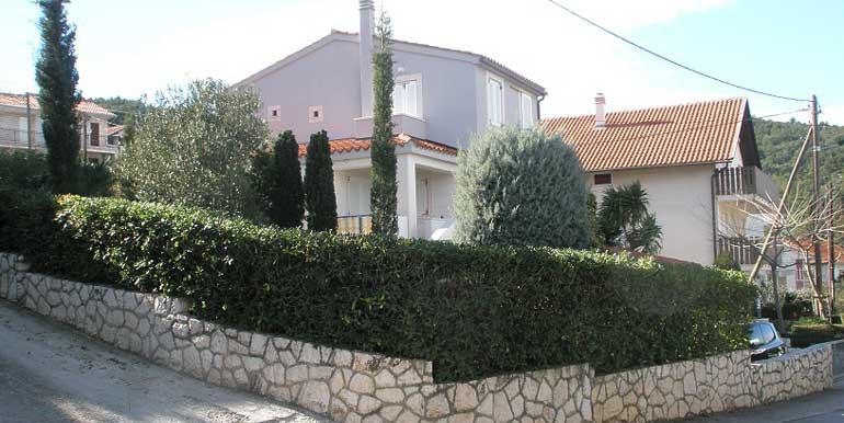 Schönes-Haus-auf-der-Halbinsel-Ciovo-(5)