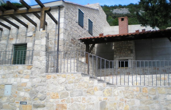 Steinhäuser in Klek