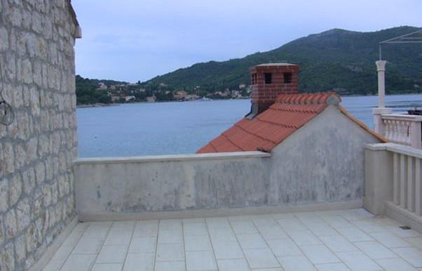 Steinhaus-in-die-Nähe-von-Dubrovnik-(3)