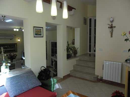 Villa-in-der-Nähe-von-Split-Zrnovnica--(8)
