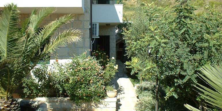 Wunderschöne-Villa-mit-Pool-in-der-Nähe-von-Split-(12)