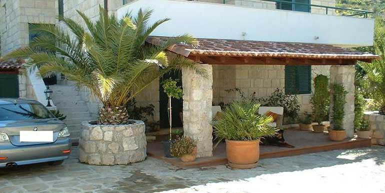 Wunderschöne-Villa-mit-Pool-in-der-Nähe-von-Split-(6)