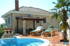 Wunderschöne-Villa-mit-Pool-in-der-Nähe-von-Split