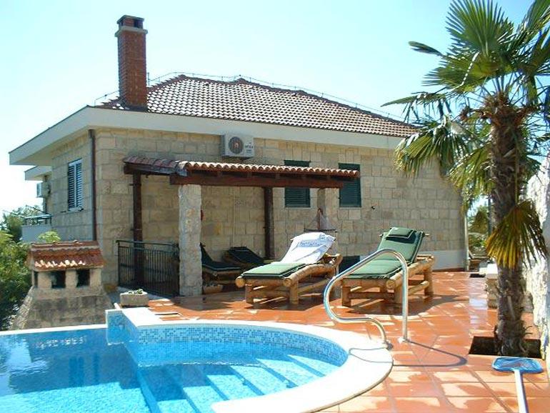 Wunderschöne Villa mit Pool in der Nähe von Split