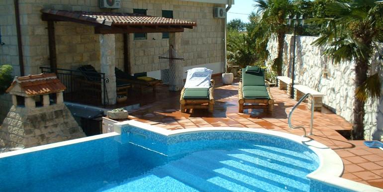 Wunderschöne-Villa-mit-Pool-in-der-Nähe-von-Split-(8)