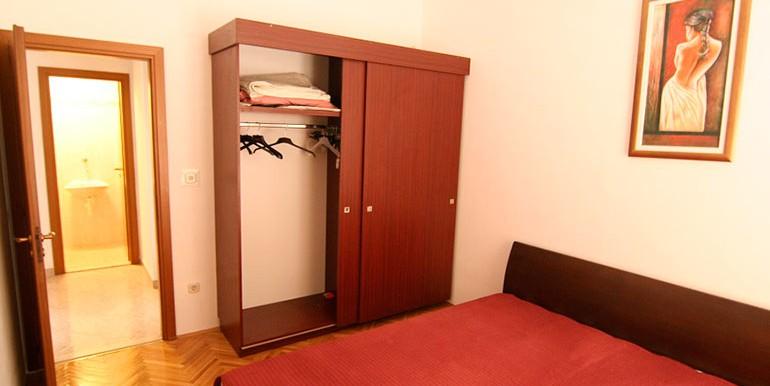 Dreizimmer-Wohnung-in-einer-urbanen-Villa-(1)