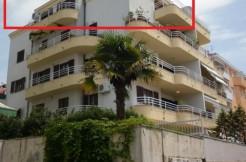 Dreizimmer Wohnung in einer urbanen Villa