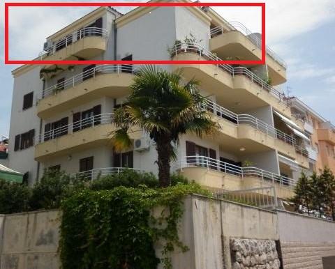 Dreizimmer-Wohnung-in-einer-urbanen-Villa-(18)