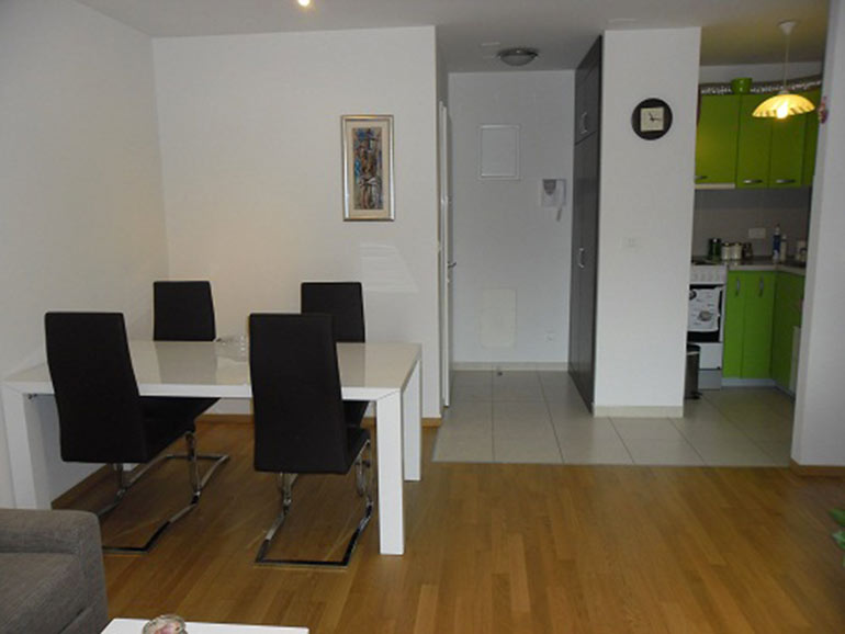 Neu eingerichtete  einzimmer Wohnung in Split