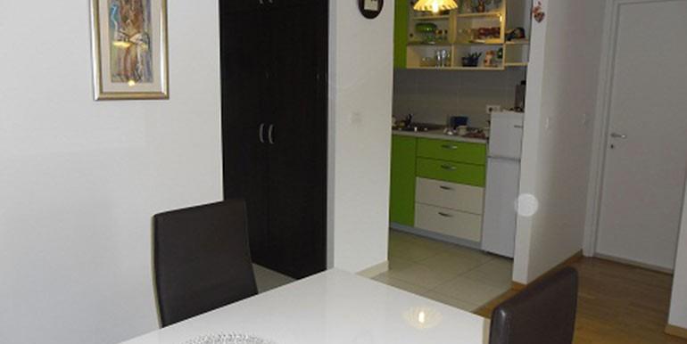 Neu-eingerichtete--einzimmer-Wohnung-in-Split--(2)