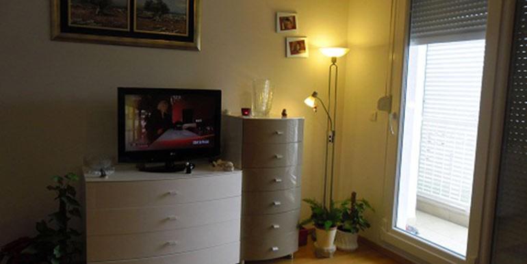Neu-eingerichtete--einzimmer-Wohnung-in-Split--(3)