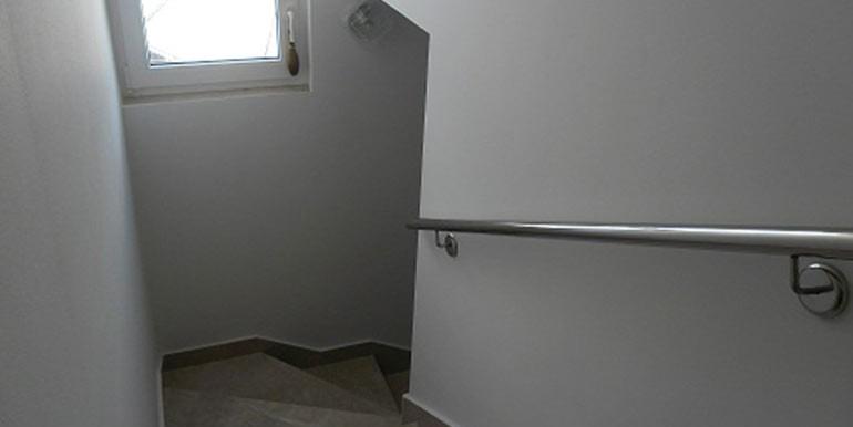 Top-Angebot!-Haus-mit-zwei-Wohnungen-(2)