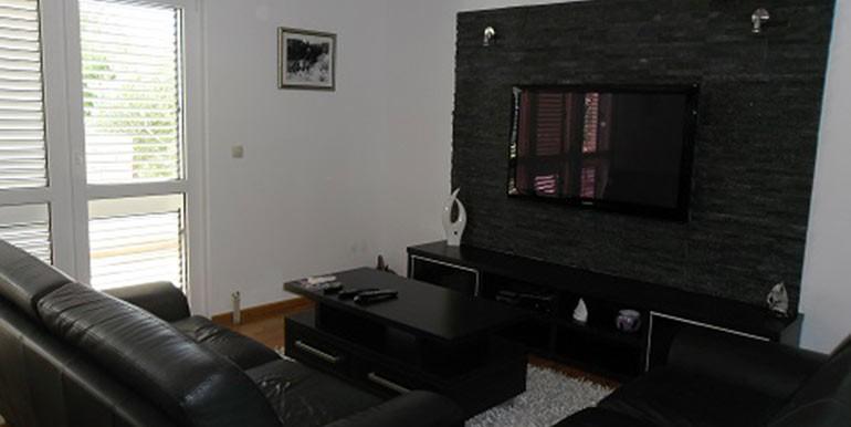 Top-Angebot!-Haus-mit-zwei-Wohnungen-(6)