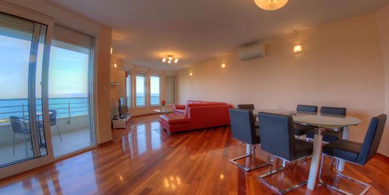 Wohnung-mit-Meerblick-in-der-Nähe-von-Split-(1)